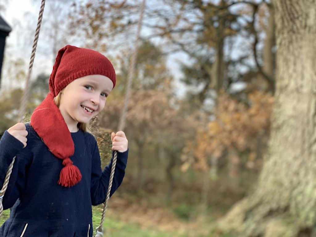 Strik til jul: Lav strikkede adventsgaver til piger