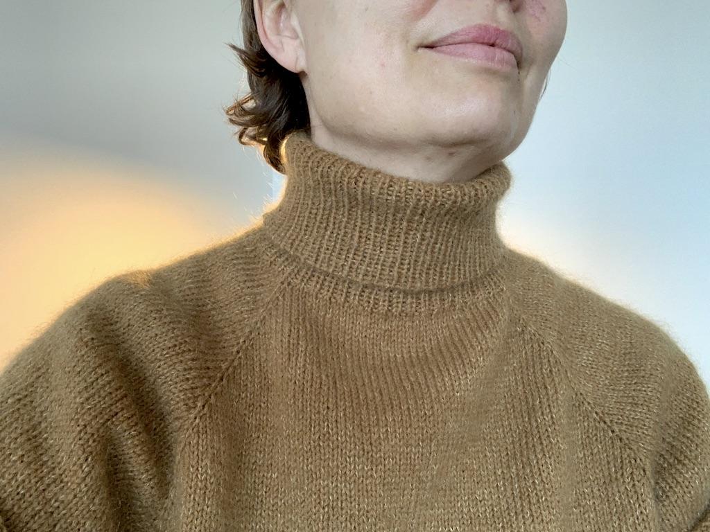 Viggas Rullekravesweater på vej