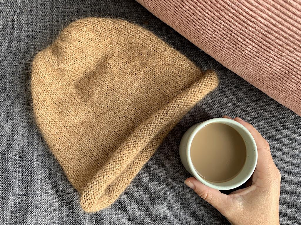 Viggas Rullehue med mohair og kaffe